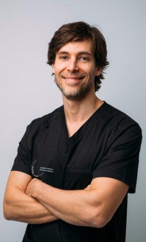 Dr. Pedro Gutierres